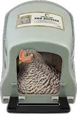 Harris Farms Plastic Nesting Box