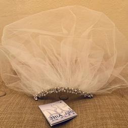 NWT | $105 BelAire Bridal Bird Cage Veil Natural Pearl Comb